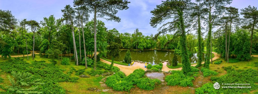 Аскания Нова — озеро в дендропарке